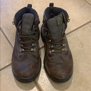 Ladies' Timberland hiking boots. Size 6.